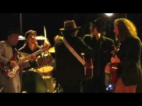 ▶ THE WEIGHT - Bob Dylan, Jeff Tweedy, Jim James, Peter Wolf - Americanarama - Hoboken, NJ 07/26/13 - YouTube