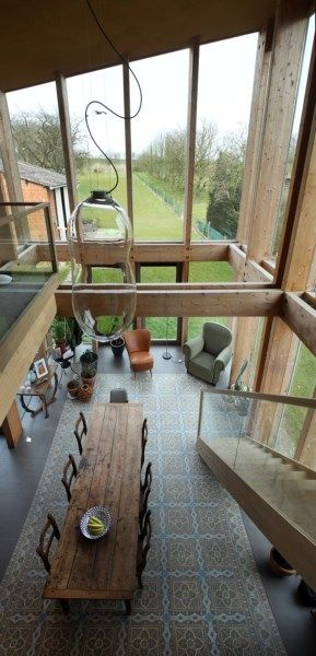 Binnenkijken in een huis van stro - Het Nieuwsblad: http://www.nieuwsblad.be/cnt/dmf20160331_02212230