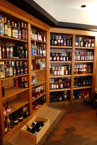 Tonton Marcel - caviste et bar à vin - Rue du Bailli, 106 - 1050 Ixelles, Bruxelles, Belgique