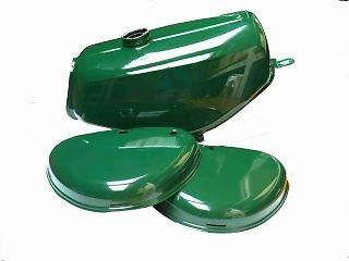 Kraftstoffbehälter und Seitendeckel passend für S50,S51 und S70 der Marke Simson