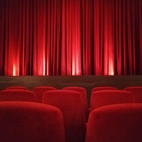 As the nights getting colder it is cinema time again, so I went to #passage #kino in #Neukölln yesterday and saw the movie #ToniErdmann. I love the #cinema for its chandeliers, golden stucco and its comfortable red velvet chairs. #BertaBerlin #Berlin #walkthisway