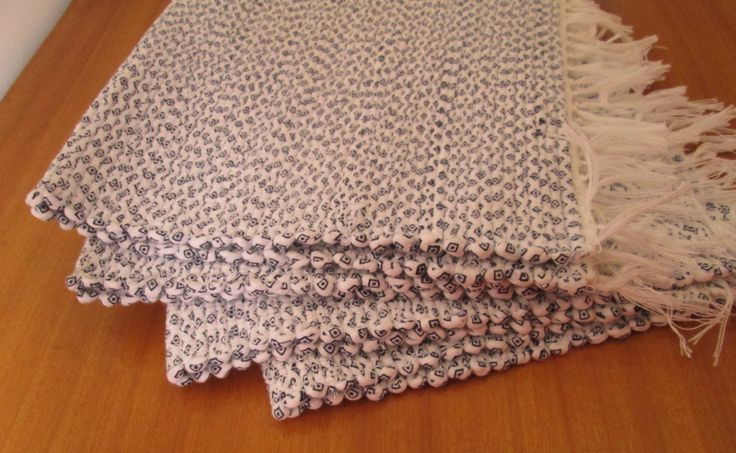 Handmade woven placemats | Set of 4 | Home decor | Washable placemats | by colorfulstripeshome on Etsy