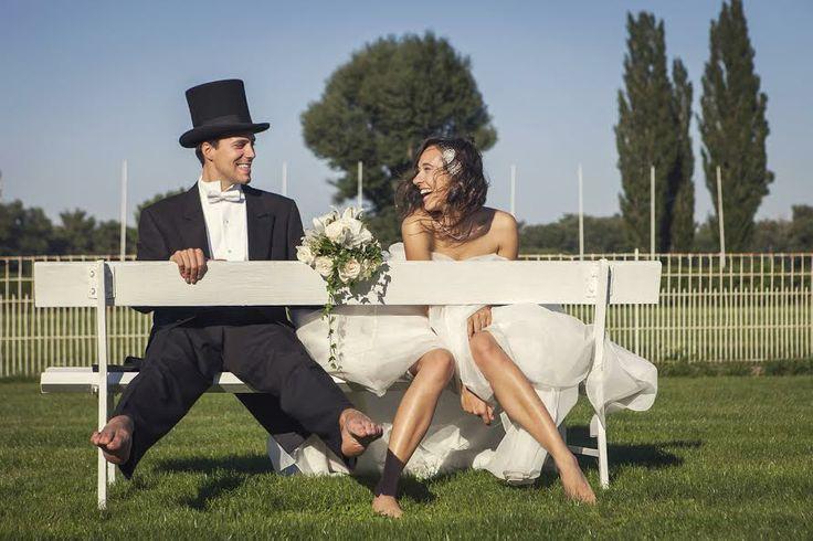 Nuestros fotógrafos trotamundos favoritos nos envián otra bellísima boda europea. A manos del lente maravilloso de N. photography (Anastasia Abramova y Federico Guendel)  http://www.proyectobodacr.com/destination-wedding-boda-europea-de-sueno-en-un-dia-soleado/ (5 fotos)