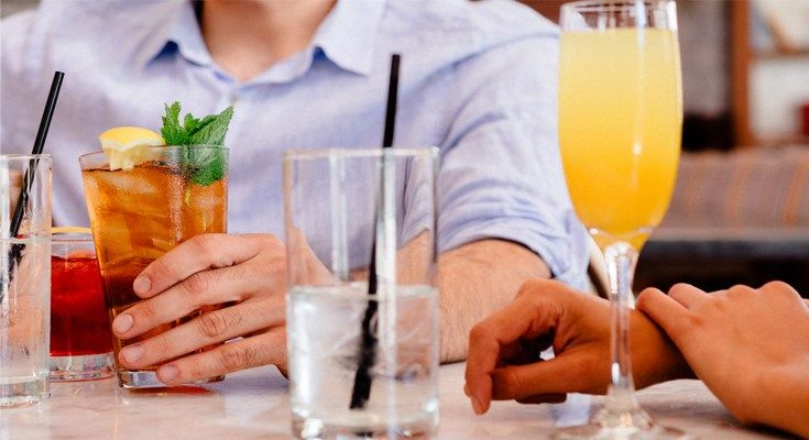 """How many times a week do you find yourself asking the question, """"To happy hour or not to happy hour?"""" With the warm weather picking up in New York City, the internal struggle with this age old question is only going to become even more frequent and more difficult to deal with. Before you panic about the downside of after-work drinks, like calorie counts and being unproductive the next day, let's talk about something positive: why happy hour is good for your health?"""
