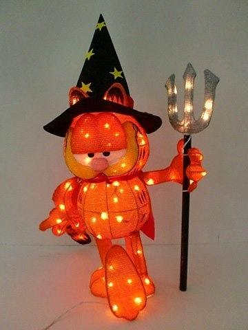 Garfield halloween stuff