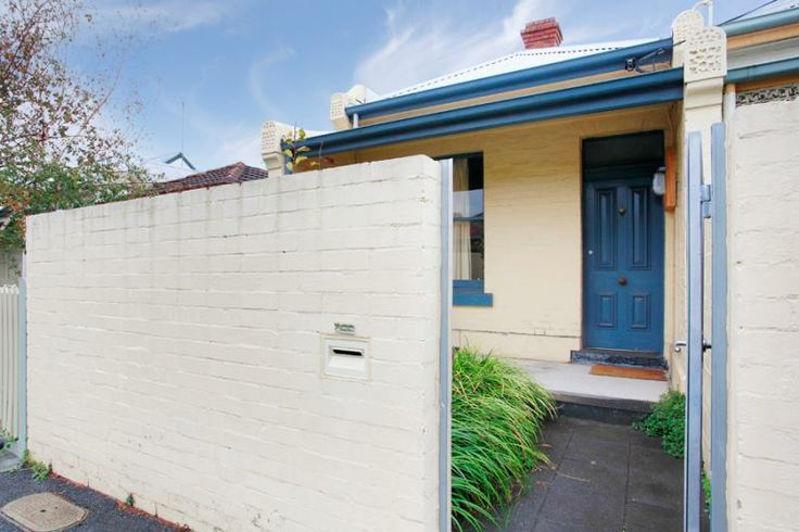 26 Park Parade  FITZROY NORTH $500.00 @ domain.com.au Not sure, but there's a lot of potential here... though there may  be carpet.... ew