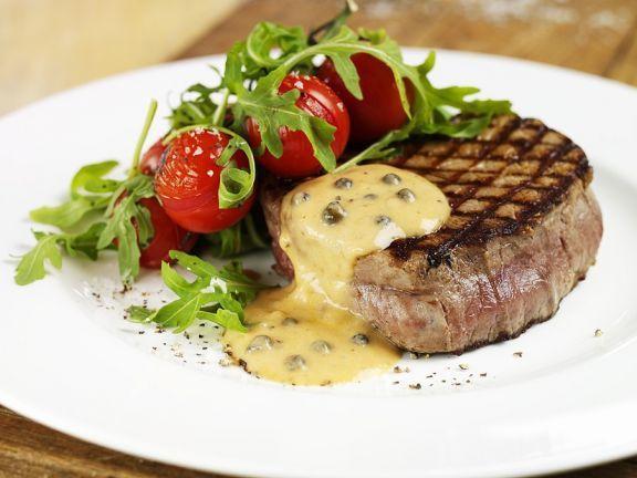 Steaks mit grüner Pfeffersauce ist ein Rezept mit frischen Zutaten aus der Kategorie Fruchtgemüse. Probieren Sie dieses und weitere Rezepte von EAT SMARTER!