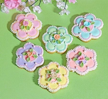 Pastel decorated cookies...