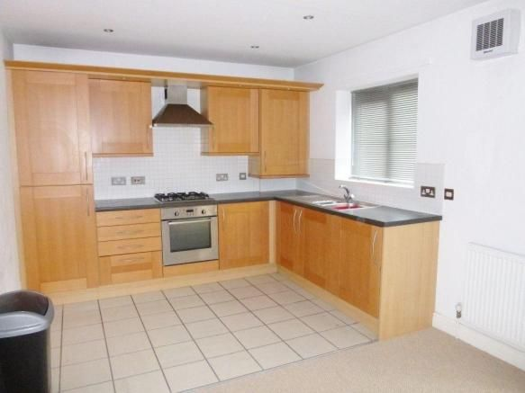 2 bedroom apartment to rent  Langdale Court, Barnsley