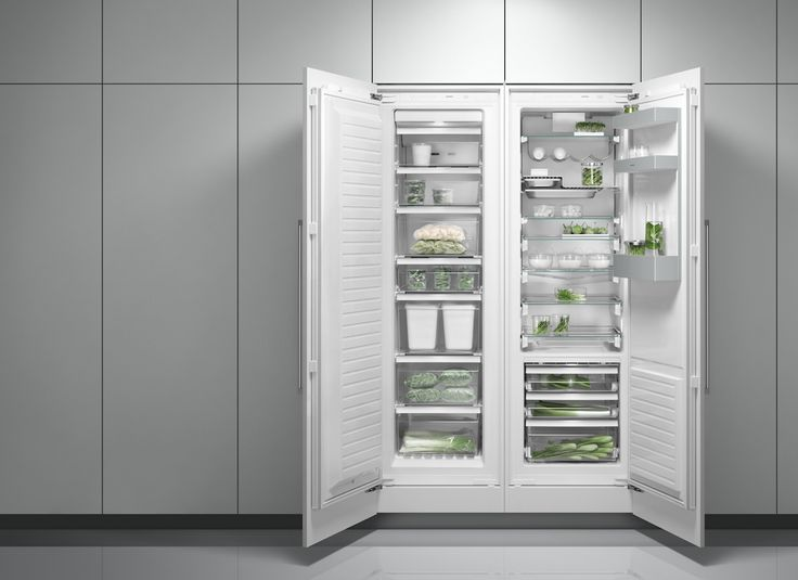 Side-by-side combination of the freezer RF 287 and the refrigerator RC 289 offers all the conveniences of modern refrigerated storage: 4-star freezer compartment, flexible interior configuration of its ample 212 litres and cushioned door closing system.