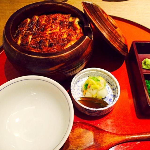 名古屋の有名なしら河でひつまぶしを頂きました! 一杯目はそのまま、二杯目は薬味を入れて、三杯目は薬味と出し汁を入れてお茶漬けにします。 - 8件のもぐもぐ - ひつまぶし 名古屋 by yumiworldi5D