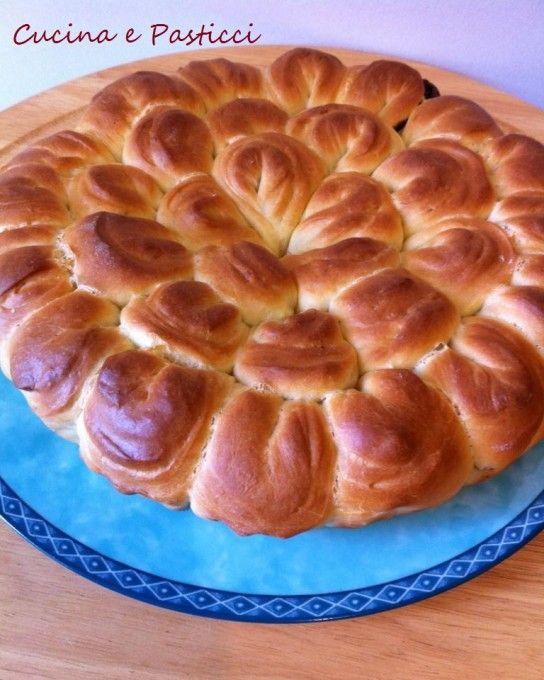 Torta di pan brioche e nutella