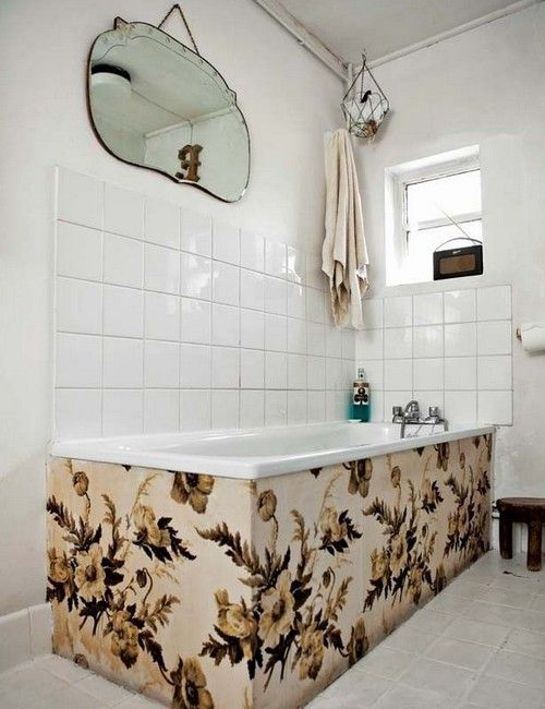 vintage feel in small modern bathroom