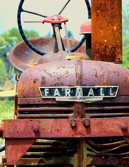 Gotta love a Farmall Tractor.....