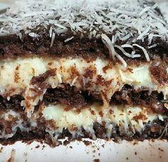 Aprenda a fazer o Recheio Prestígio Gourmet, receita da confeiteira Bia Melo. Ele é delicioso, fácil de fazer a vai valorizar ainda mais os seus bolos, pav