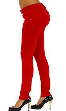 Voel je mooi en gewenst met de Shaping Butt Lift legging. De legging accentueert je rondingen rond de billen, taille en dijen. #kadehandel #trendyleggingsfashion #broek #corrigerende #rood