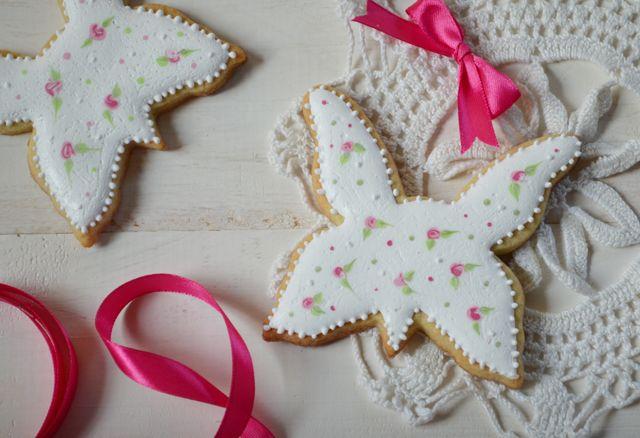 Jak ozdobić maślane ciasteczka? Dekorujemy ciasteczka motylki. - Słodka Pracownia - Przepisy | Dekoracje | Przyjęcia
