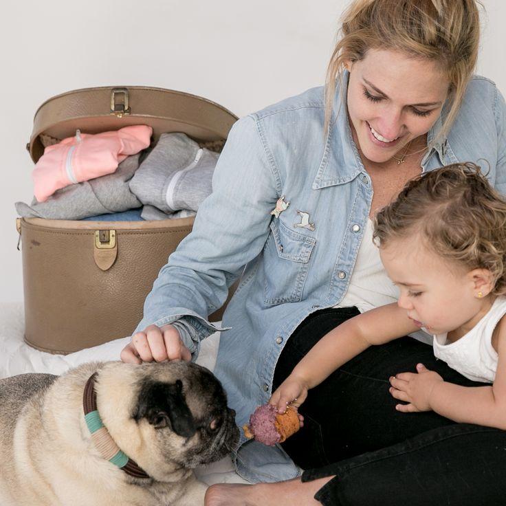 Buzos para perro, collares, cadenas, fundas de almohada, camas para perro, pijamas para mujer. Muchas cosas para los amantes de los mejores amigos de cuatro patas.  #WeAreMolly #WeLoveDogs #MollyAndTheBone #BetweenBestFriends #PetLovers #PetSupplies