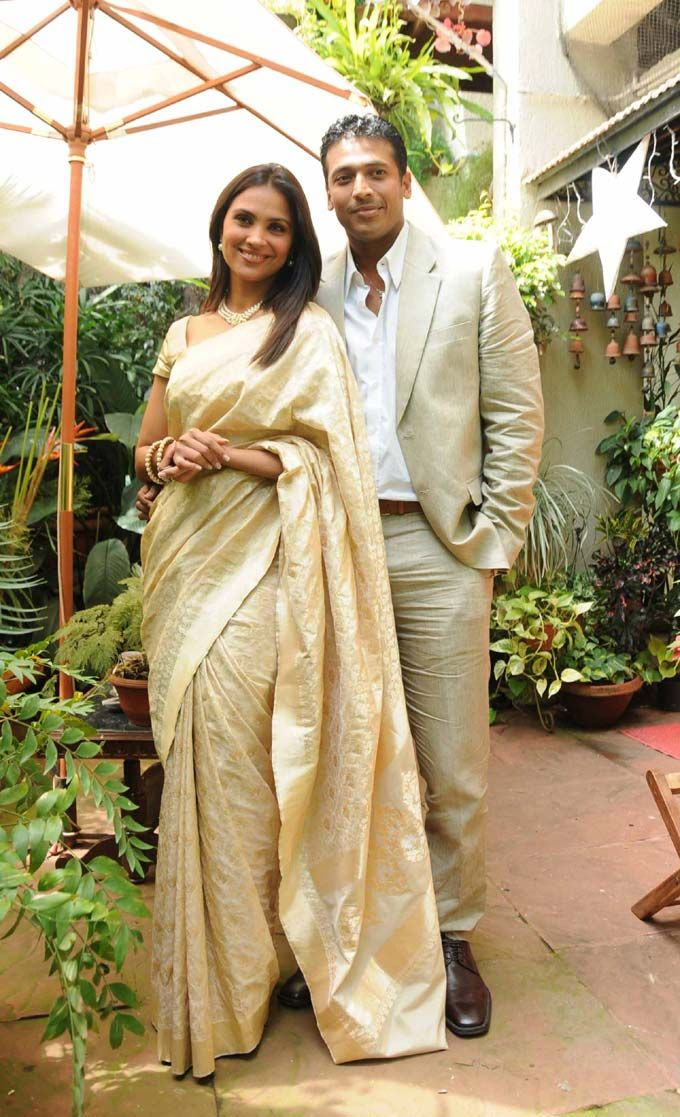 Lara Dutta in a Ritu Kumar sari for her civil ceremony