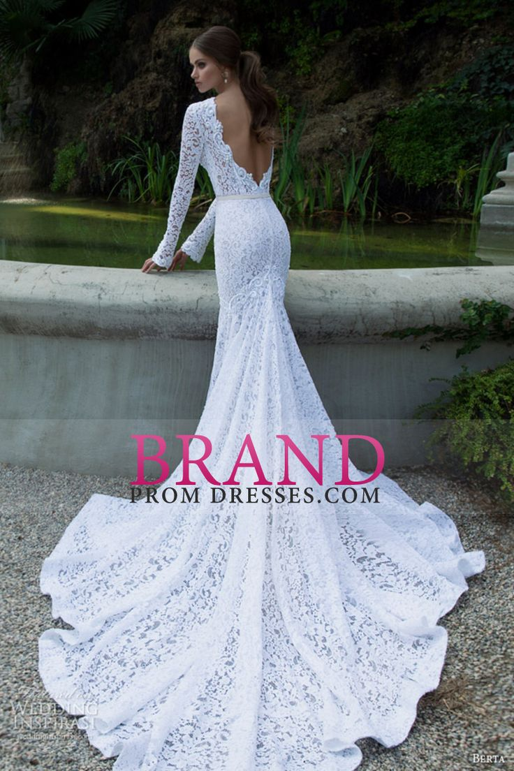 2016 Long Sleeves Wedding Dresses Scoop Lace With Sash Sweep Train