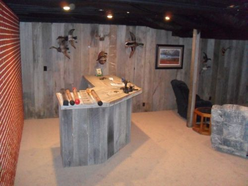 Outdoorsman Man Cave Design Idea Featuring Wooden Bar