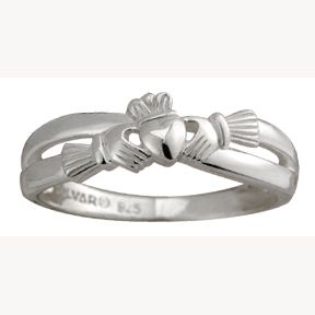 Claddagh infinity ring