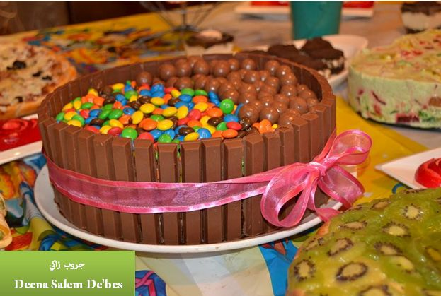 زاكي كيكة الكتكات Kit Kat Cake