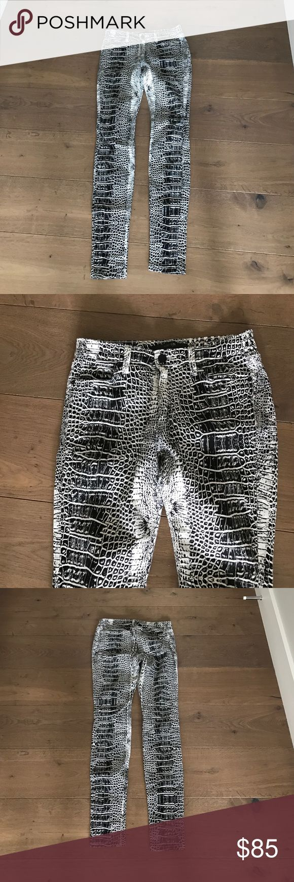 Joes jeans snake print Never worn joes jeans snake print pant Joe's Jeans Jeans Skinny