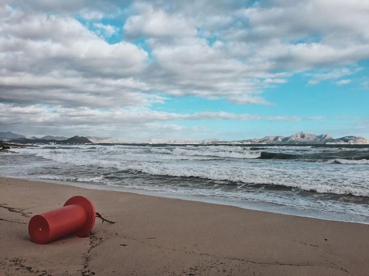 Boje müde. Boje muss schlafen | End of Season | Can Picafort  #latergram #mallorca2017 #travel #travelling #travelgram #traveltheworld #streetphotography #streetlife #vsco #vscocam #vscodaily #wanderlust #moinpg #city #citylife #citylights #diewocheaufinstagram #igtravel #beach #beachwaves #cloudporn #glorymorning #earlybird #sunset_madness #sunset
