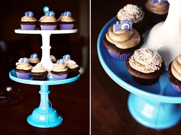 CAMERA CUPCAKES!! Oh HOW HEAVENLY! :)