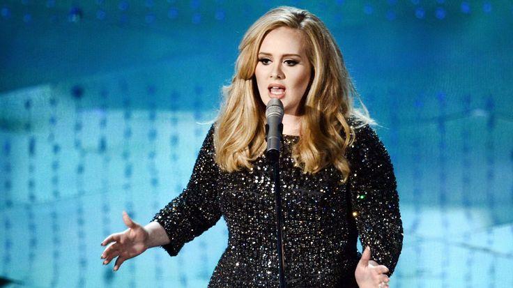 Η Adele αφιέρωσε την συναυλία της στα θύματα του Ορλάντο