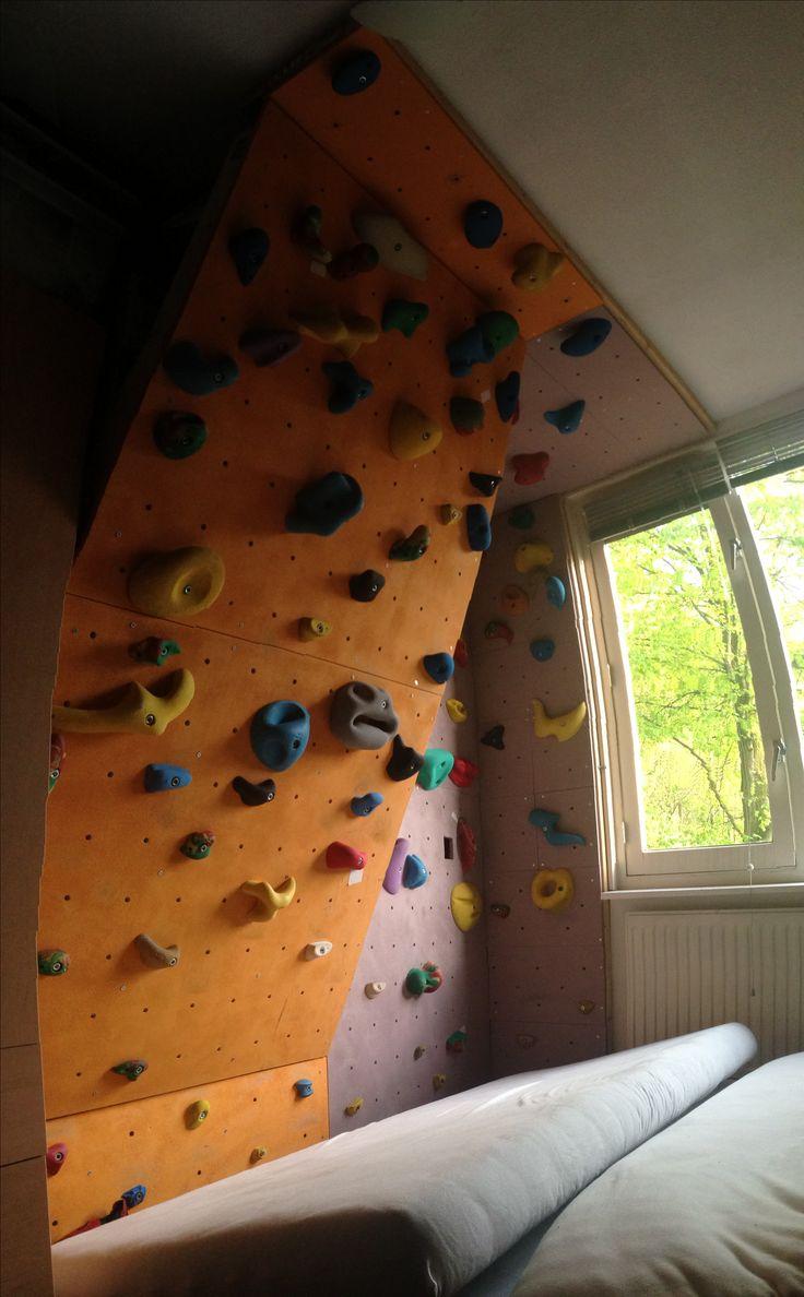 Mijn thuiswandje; overhang 25gr met in de hoek deel verticaal en een klein plafond.