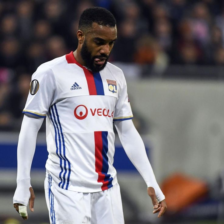 Arsenal Transfer News: Latest on Alexandre Lacazette, Top Gunners Rumours
