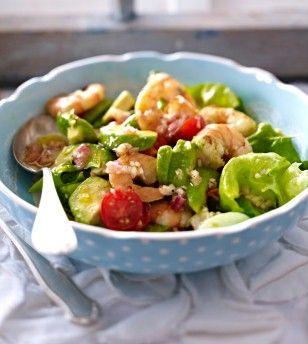 Das Rezept für Avocadosalat mit Garnelen und weitere kostenlose Rezepte auf LECKER.de (Avocado Recipes)