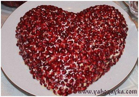 Красивый салат в виде сердечка. Салат в виде сердца с гранатом