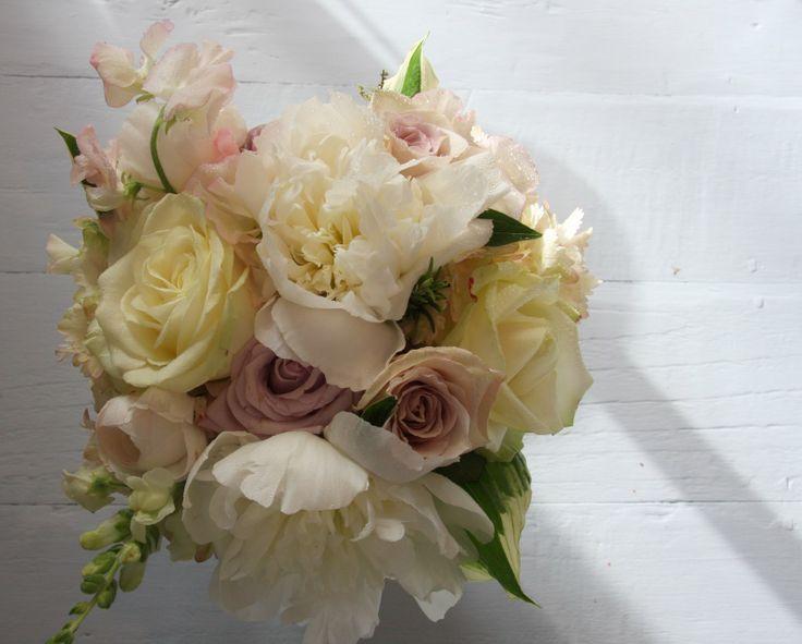 vintage wedding bouquets pictures | The Flower Magician: Sun Bleached Vintage Bridal Bouqet