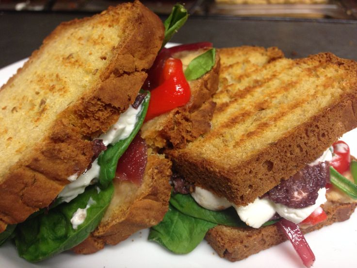 Ardsallagh goats cheese, hummus, tapenade, sweet red onion & peppers in gluten free bread :)