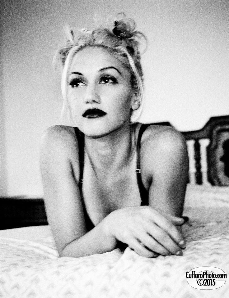 Une personne qui je inspire est Gwen Stefani. Gwen Stefani est chanteuse extraordinaire.
