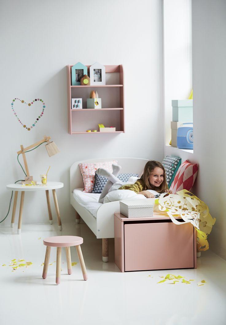 Confort et couleur!   #FLEXA #pastel  #enfants  #europeen  #lit  #rangements  #tabouret  #Play   #rose  #vert  #jaune