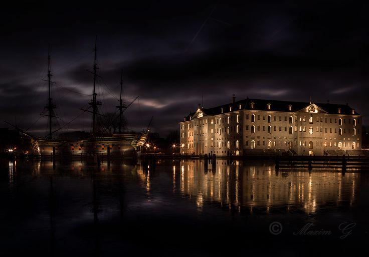 #amsterdam #scheepvaartmuseum #museum #VOC #antique #ship #nightphotography #maximg_photography #photography