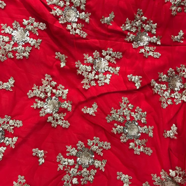 Get your gorgeous red lehenga with heavy Emboridery dupatta To purchase mail us at houseof2@live.com or Whatsapp us on +919833411702 #Houseof2 #bridesmaids #bridaljewellery #trending #affordablefashion #indianwedding #sarees #southasianwedding #bridesmaids #hindisong #keralawedding #jimikkikammal #teluguwedding #tamilbride #keralabride #hindustyle #bridesmaids #weddingideas #tamilwedding #kannadawedding #bridetobe #kalyanam #indianinspiration #sareedrapping #indianportraits…