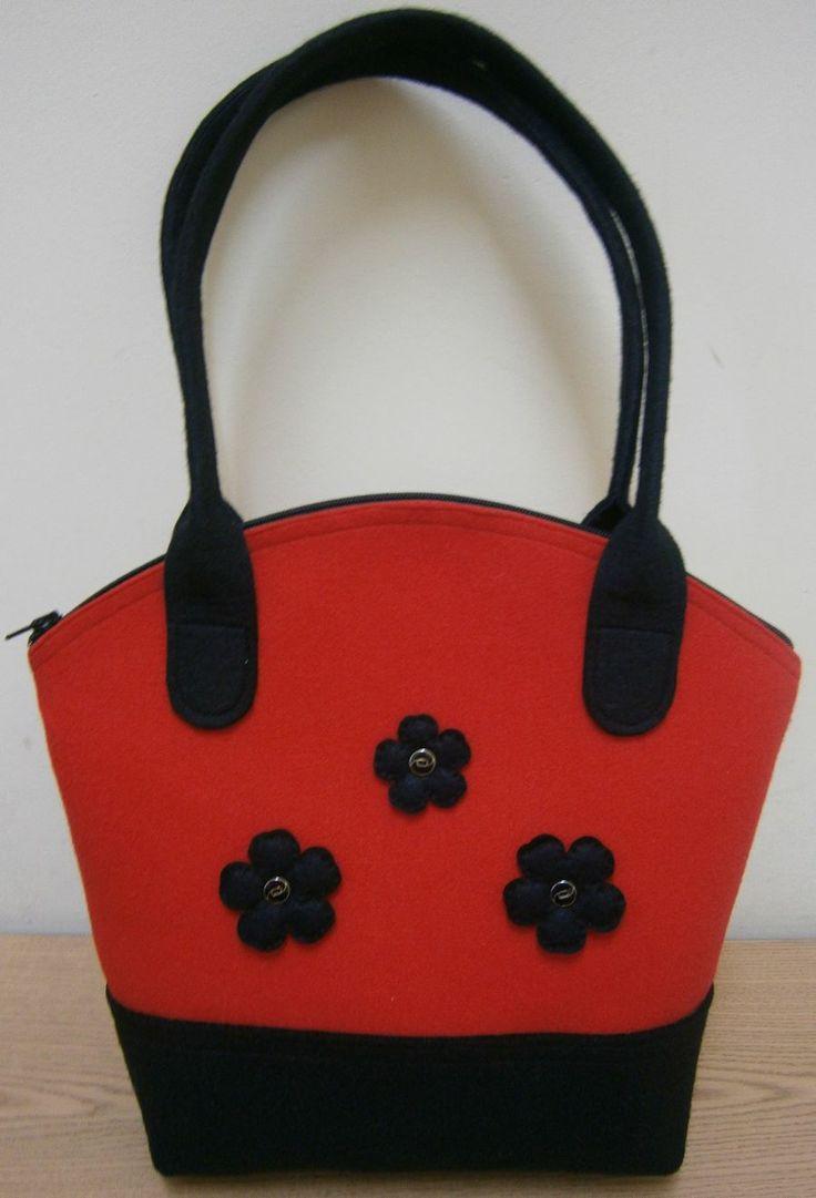 czerwono - czarna z kwiatkami