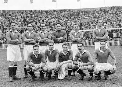 Equipos de fútbol: CHELSEA contra Preston North End 08/11/1947