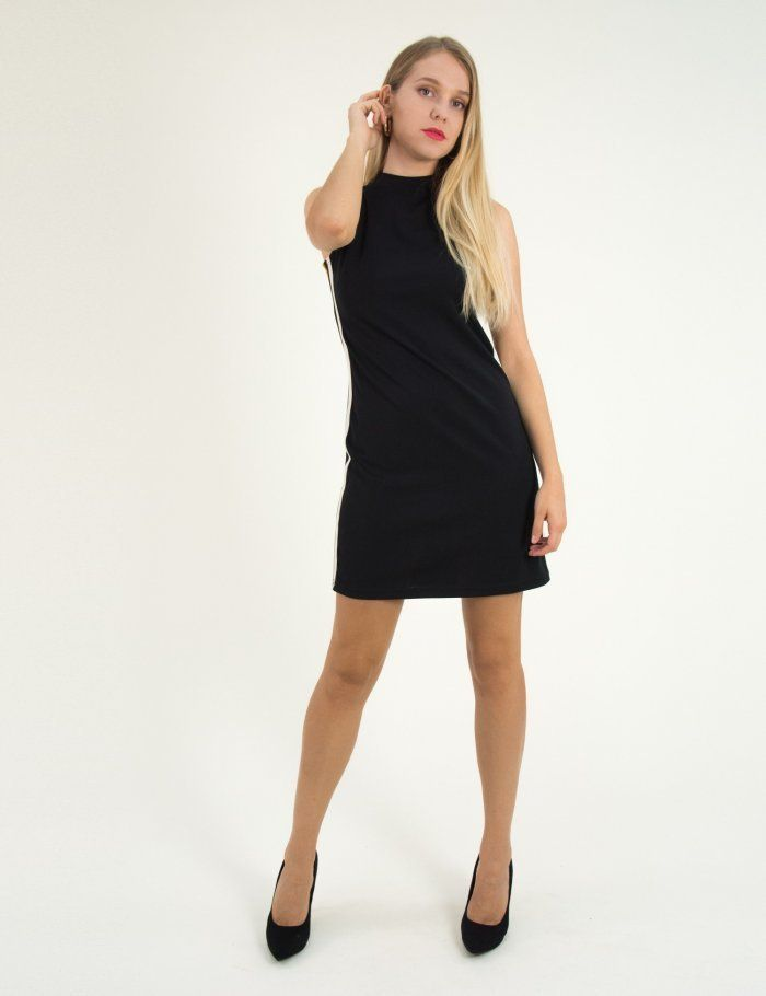 9c2ddb3fc1e6 Γυναικείο μαύρο αμάνικο φόρεμα με χαμηλό ζιβάγκο 1175820  τορούχο  torouxo   foremata  φορέματα