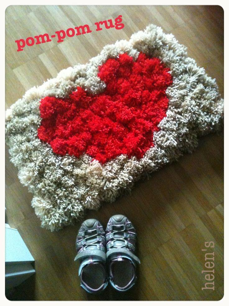 pom pom rug - Heart
