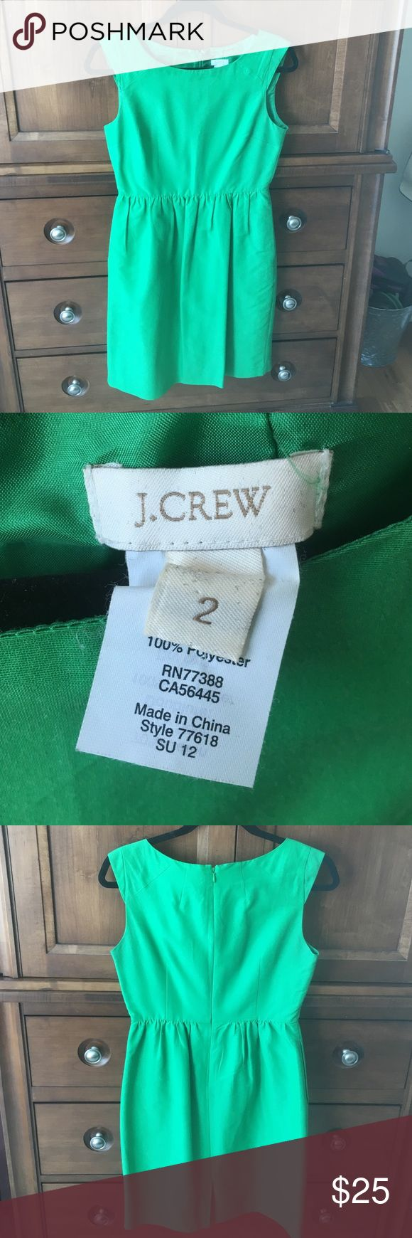J Crew Kelly Green Dress with Pockets Size 2 J Crew Kelly Green Dress with Pockets Size 2. Amazing pleated dress, perfect for spring. Gently worn. J. Crew Dresses