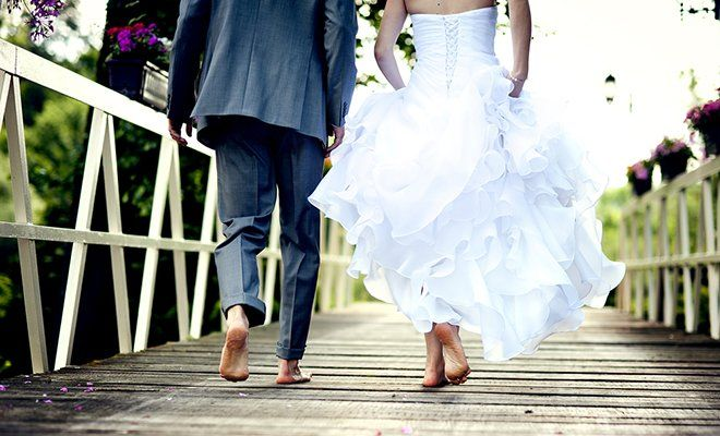 7 Wedding Hacks That Will Save You Tons Of Money