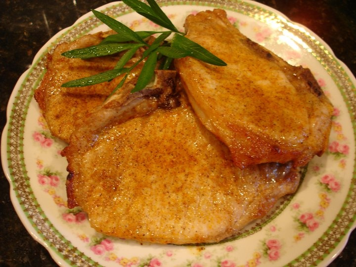 Broiled Pork Chops | Syrup and Biscuits...Easy, quick meal. My kids love these pork chops!