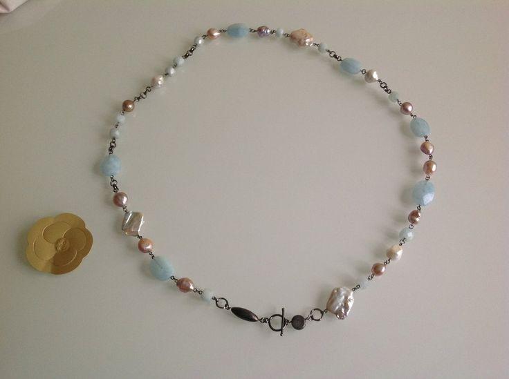 Collana di perle di fiume e acquamarina grezza, by GIOBijoux, 80,00€ su misshobby.com