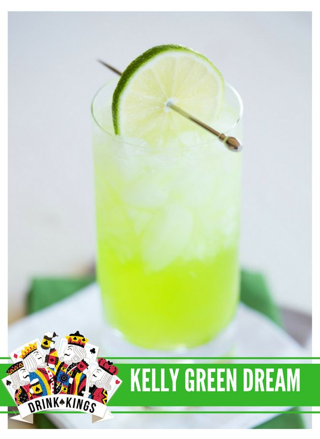 KELLY GREEN DREAM - vodka, melon liqueur, triple sec, and lime juice topped with lemon-lime soda! #superbowl #eagles #drinks #cocktails #philadelphia